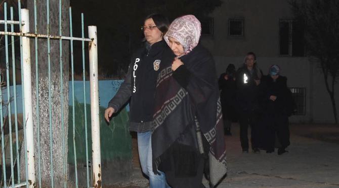Kütahya merkezli FETÖ operasyonunda 11 kadın gözaltında