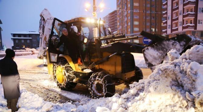Rize'de 325 köy yolu kardan ulaşıma kapandı