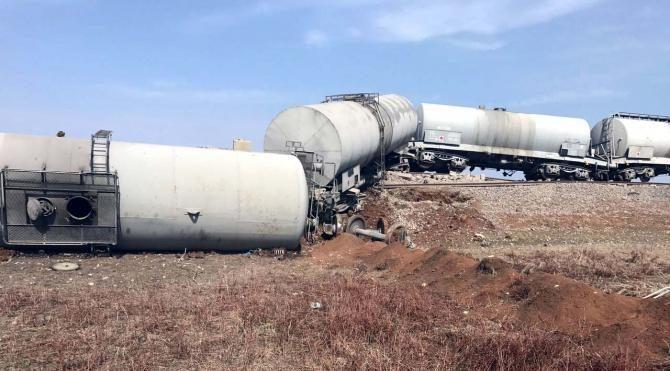 Diyarbakır'da yük trenine bombalı saldırı