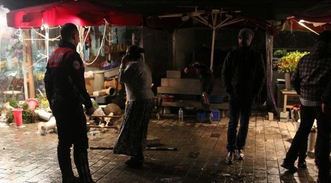 Taksim'de çiçekçi kavgası: 2 yaralı