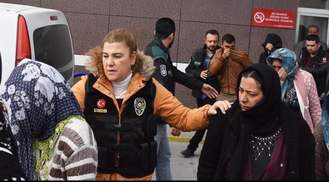 Polisin uyuşturucu baskını yaptığı evdeki kadınlar: Gün yapıyorduk'