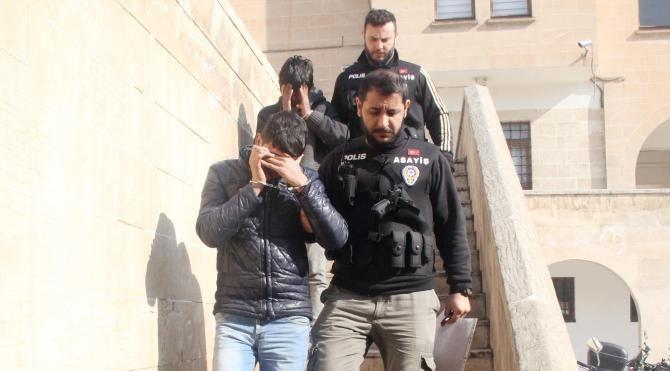 Camide hırsızlık yapan şüpheliler yakalandı