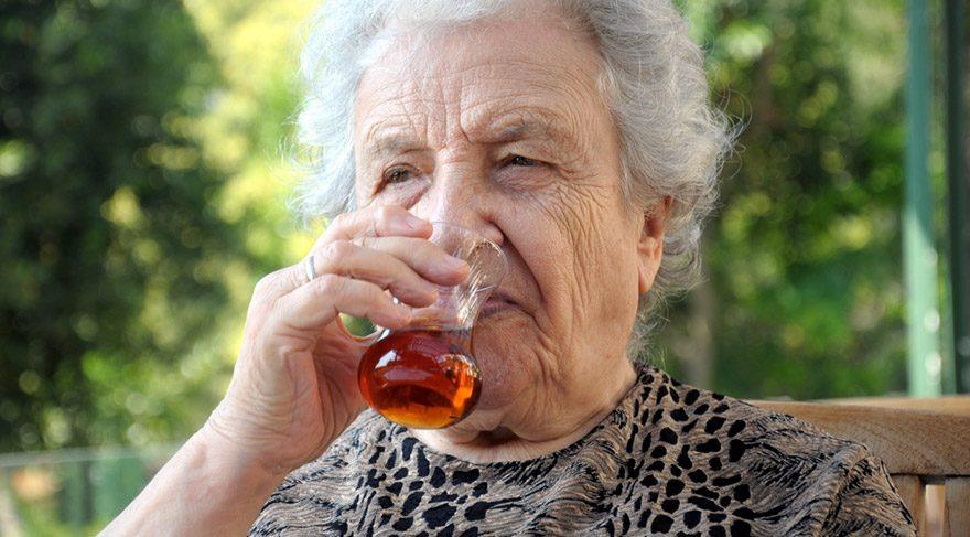 Alzheimer riskini yarıya indiren yöntem… Alzheimer hastalığının belirtileri neler?