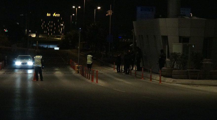 Atatürk Havalimanı girişinde şüpheli minibüs paniği