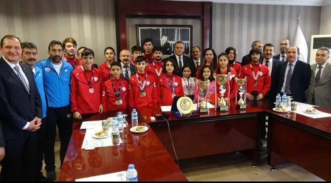 Ankara Cumhuriyet Başsavcısı Kocaman başarılı tekvandocuları ödüllendirdi