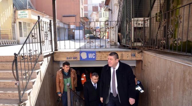 Belediye, dernekten devraldığı cami tuvaletini ücretsiz yaptı