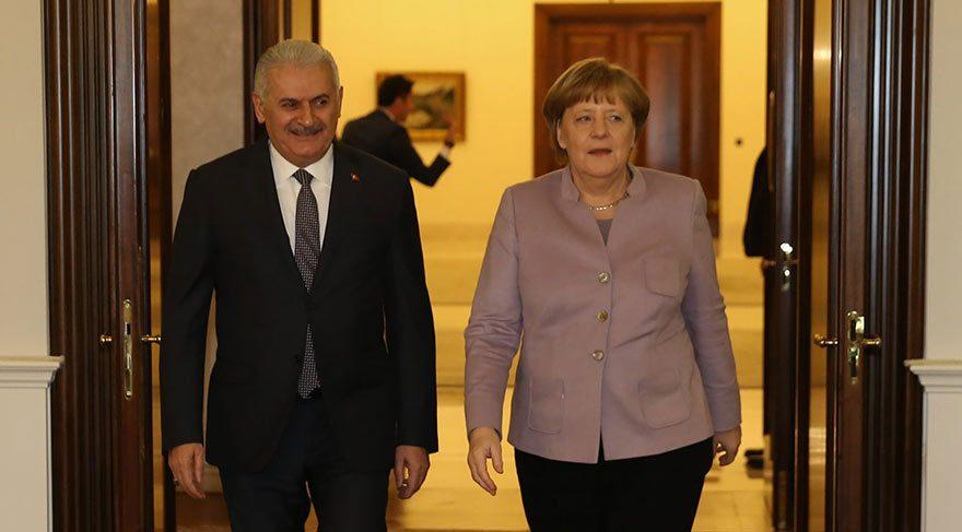 Merkel, Yıldırım ile görüşmesinde de 'İslamcı terör' ifadesini kullandı