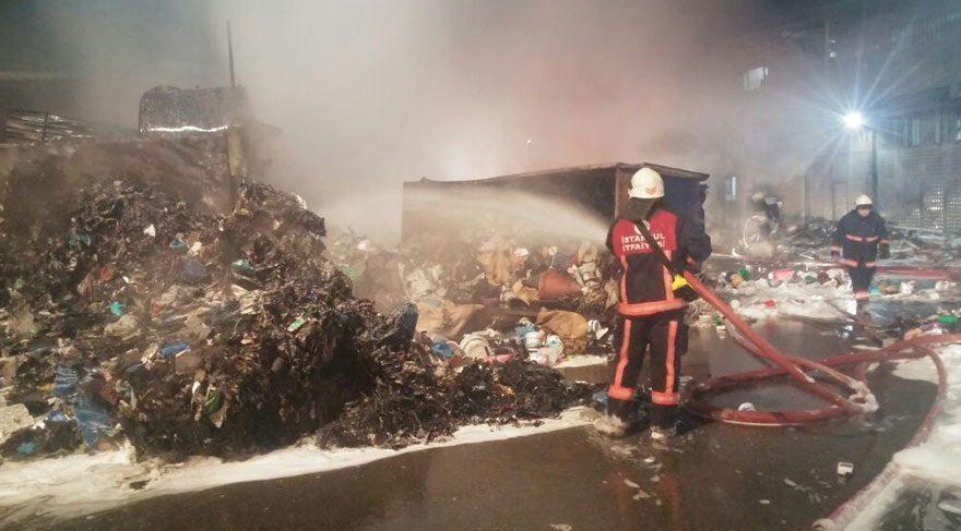 Sultangazi Ambalaj Atığı Aktarma Tesisleri'nde yangın