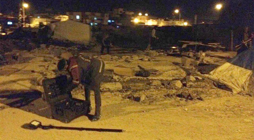 Suriyelilerle, mahalleliler birbirine girdi: 4 yaralı
