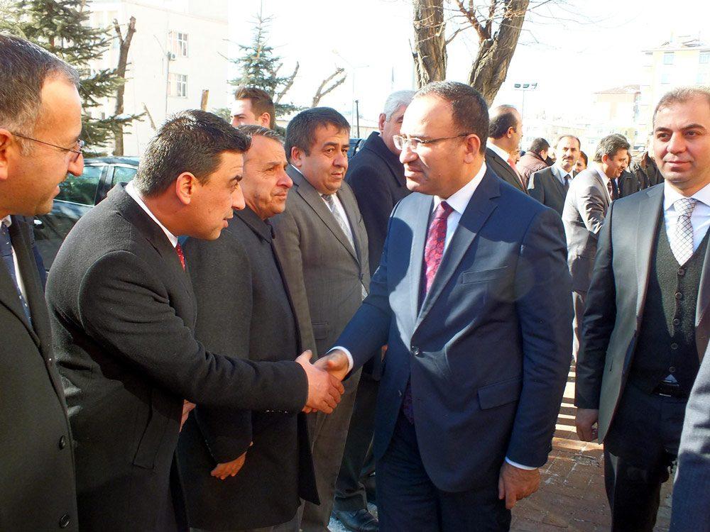 FOTO:DHA - Bozdağ, memleketi Yozgat'ta incelemelerde bulundu.