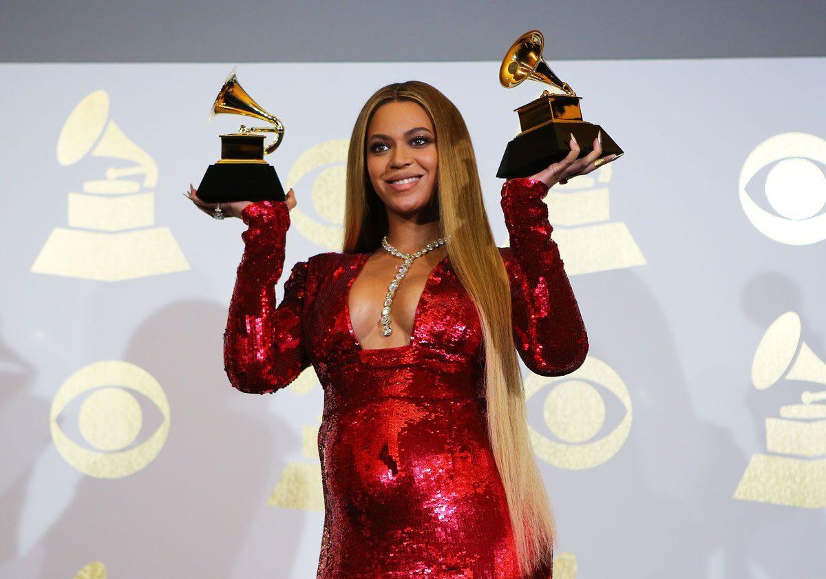 Beyonce de geceden iki ödülle ayrıldı.