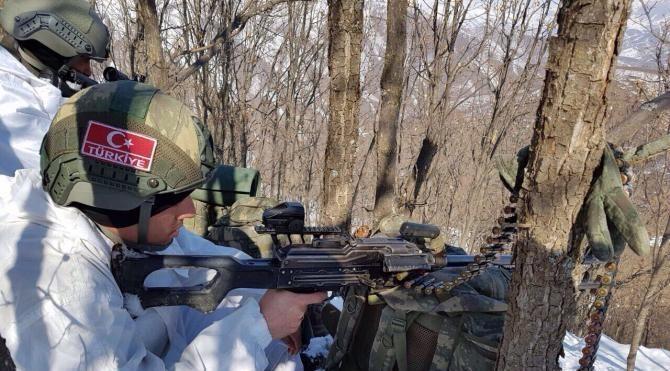 Bitlis'te PKK'ya ağır darbe; 8 terörist ölü, 2 terörist sağ ele geçti (3)