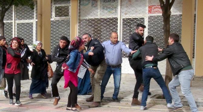 Mersin Adliyesi'nde arbede: 2 gözaltı