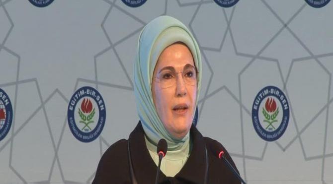 Emine Erdoğan, EğitimBir-Sen 4. Türkiye Eğitimci Kadınlar Buluşması'nda konuştu