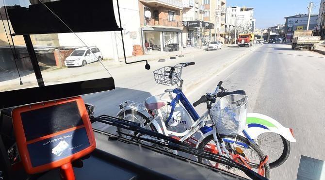 İzmir'de bisikletle otobüs yolculuğu başladı