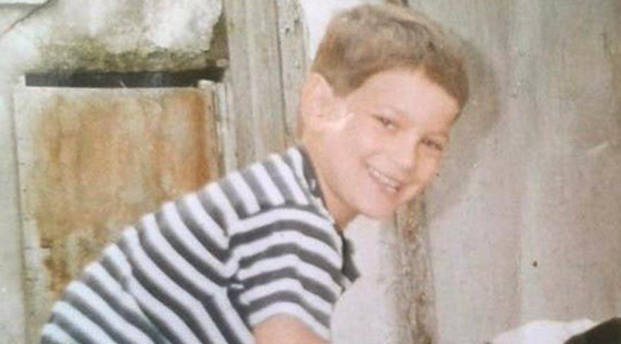 Çağatay Ulusoy henüz 8 yaşında olduğu bir fotoğrafı paylaştı