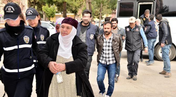 Valilik bombacısına yardım edenler adliyeye sevk edildi