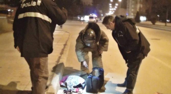 Polis, şüpheli çantayı patlattı, bir kadına ait çamaşırlar çıktı
