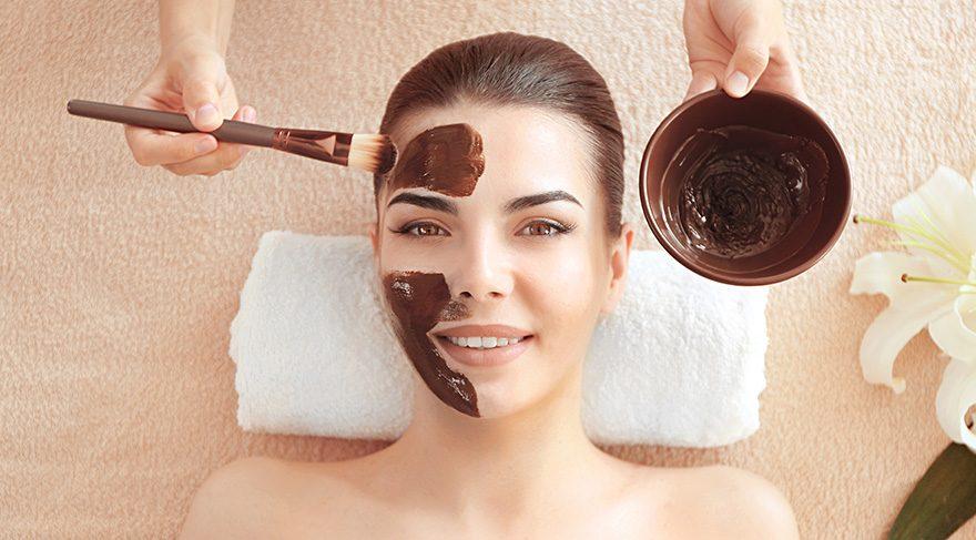 Lezzetli cilt bakımı: çikolata yüz maskesi
