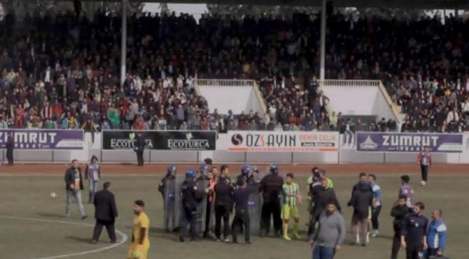 Adıyaman'da amatör maçta arbede