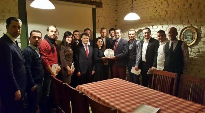 Türkiye Cumhuriyeti Prizren Başkonsolosu Kosovalı öğrencilerle bir araya geldi