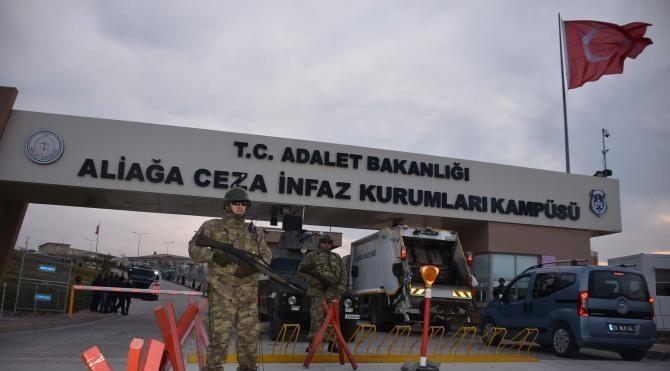 İzmir'de 270 sanıklı FETÖ davasına devam ediliyor