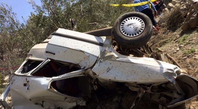 150 metrelik uçuruma yuvarlanan otomobilin sürücüsü öldü