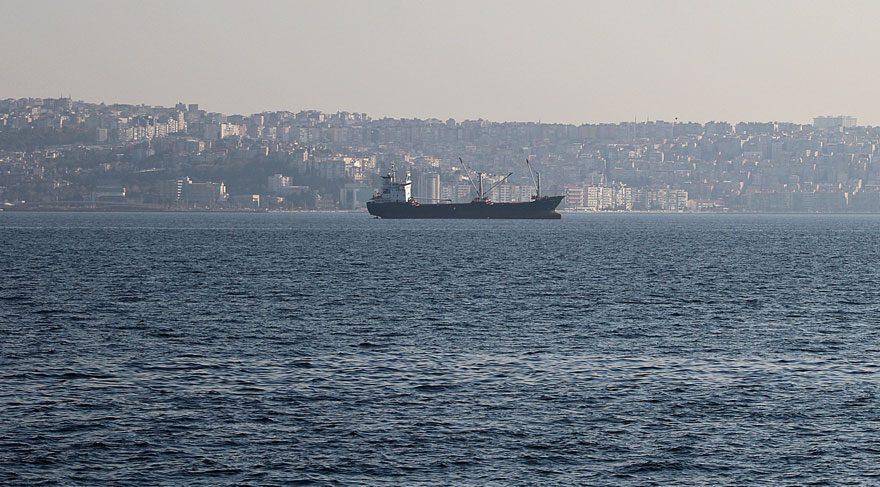 İzmir Körfezi'nde hayalet gemi