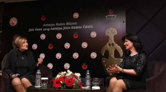 'Yılın Kadını Ödülü' avukat Sibel Önder'e