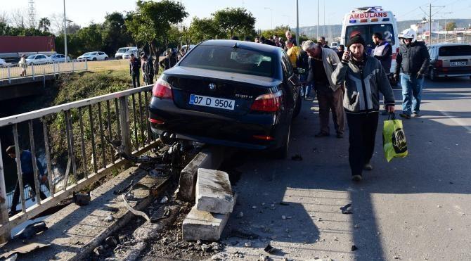Otomobilin çarptığı motosikletli ağır yaralandı