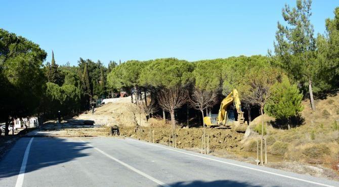 Tarihi bölgede sel sularının yıktığı köprü yapılıyor