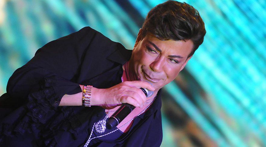 Fatih Ürek'ten Ahmet Kaya performansı