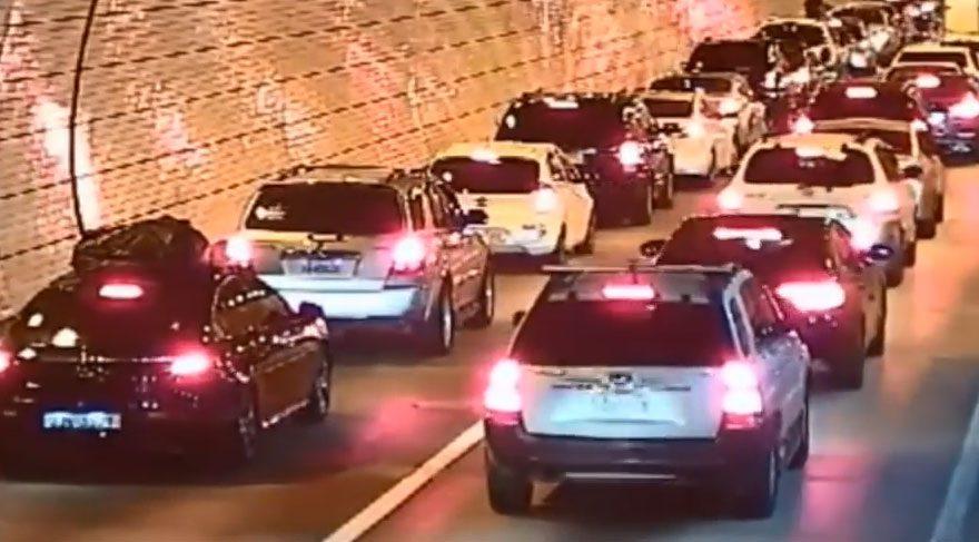 Güney Kore'de tüneldeki kazaya sürücüler böyle tepki verdi