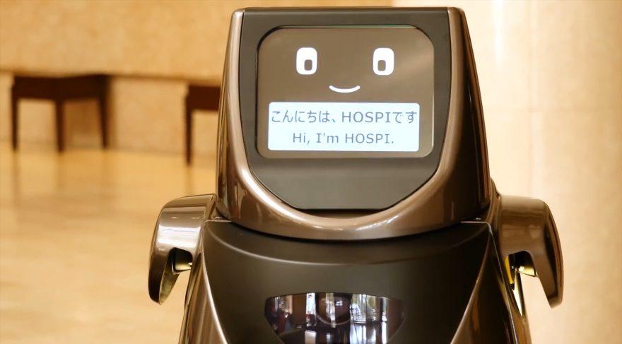 Bu robot içecek ikram ediyor ve kirli tabakları topluyor