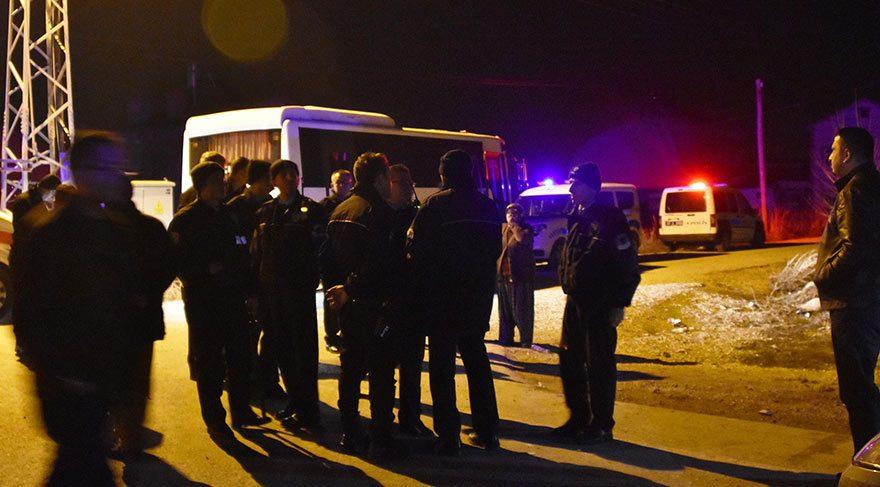 Bıçaklı kavga: 1 ölü 1'i polis 4 yaralı!