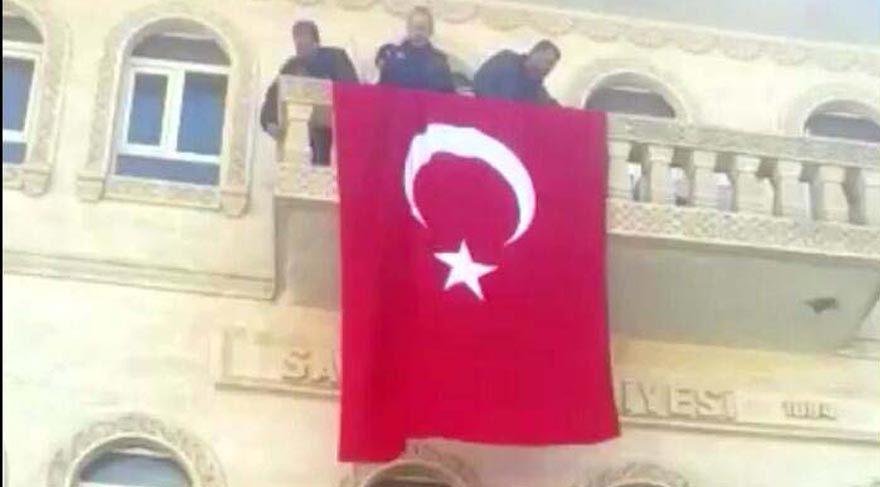 Mardin'in Savur Belediyesi'ne operasyon