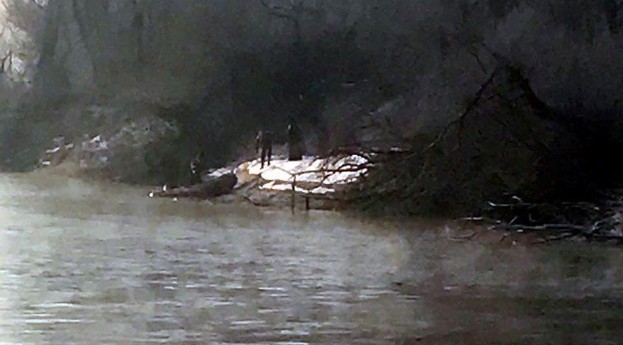 Meriç nehrinde botları batan kaçakları AFAD kurtardı