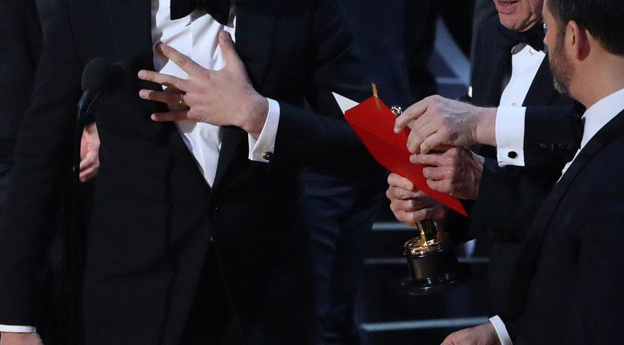 Oscar'da tarihi rezalet!
