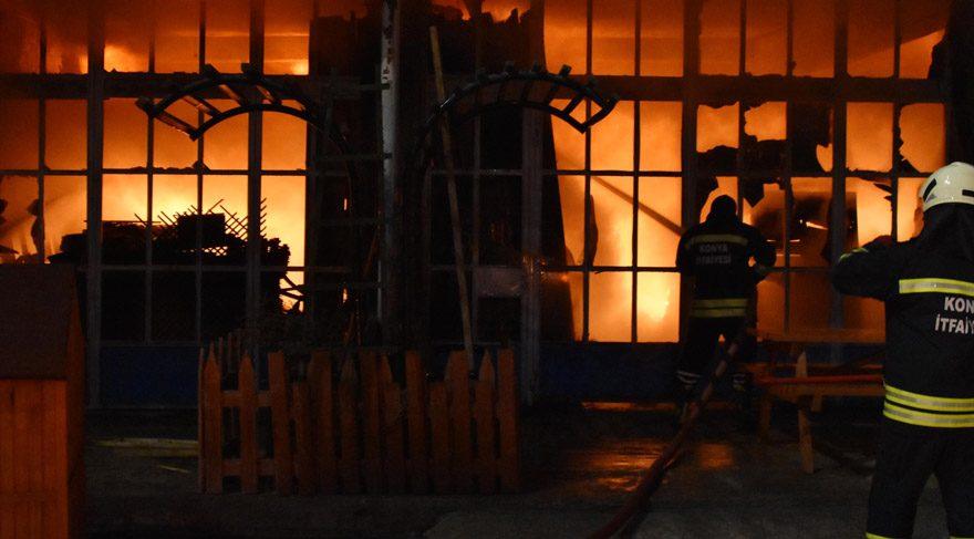 Orman ürünleri üretimi yapan işyeri yandı