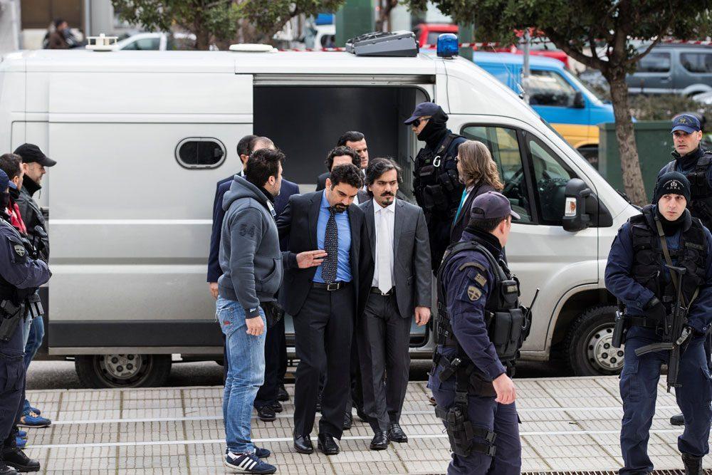 Sekiz darbeci subay hakkında Atina'dan flaş karar