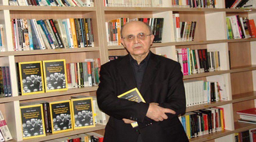 Prof. Dr. Zafer Toprak: Atatürk, evrim kuramını savunan H.G. Wells'in 'Dünya Tarihi' kitabını Türkçe'ye çevirtmişti!