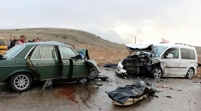 Afyonkarahisar'da kaza: 1 ölü, 6 yaralı
