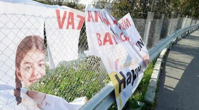 Serik'te 'Hayır' afişleri yırtıldı
