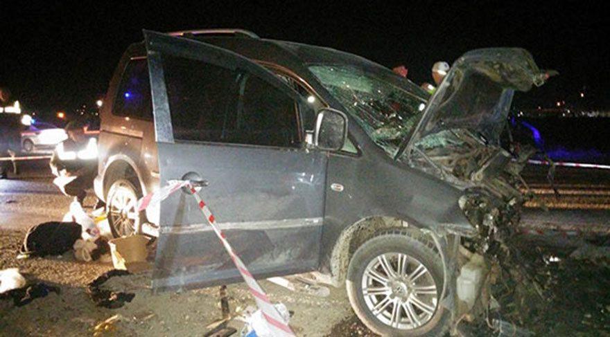 Manisa'da korkunç kaza: 2 ölü, 10 yaralı!