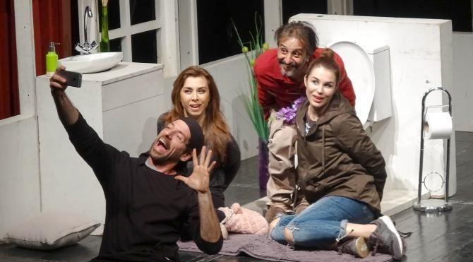 Avcılar'da tiyatro dolu hafta sonu