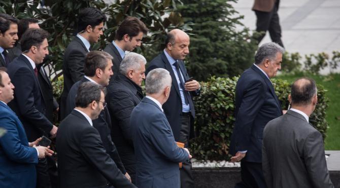 Başbakan , AK Partili İstanbul İlçe Belediye Başkanları ve AK Parti İstanbul İlçe Başkanları ile görüştü
