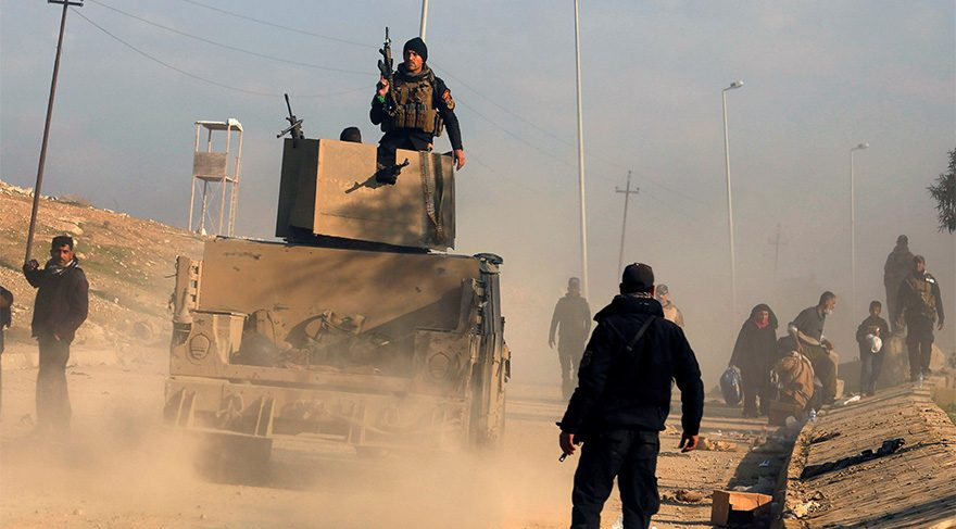 Son dakika... Iraklı güvenlik güçleri Musul'da ana hükümet binasını ele geçirdi