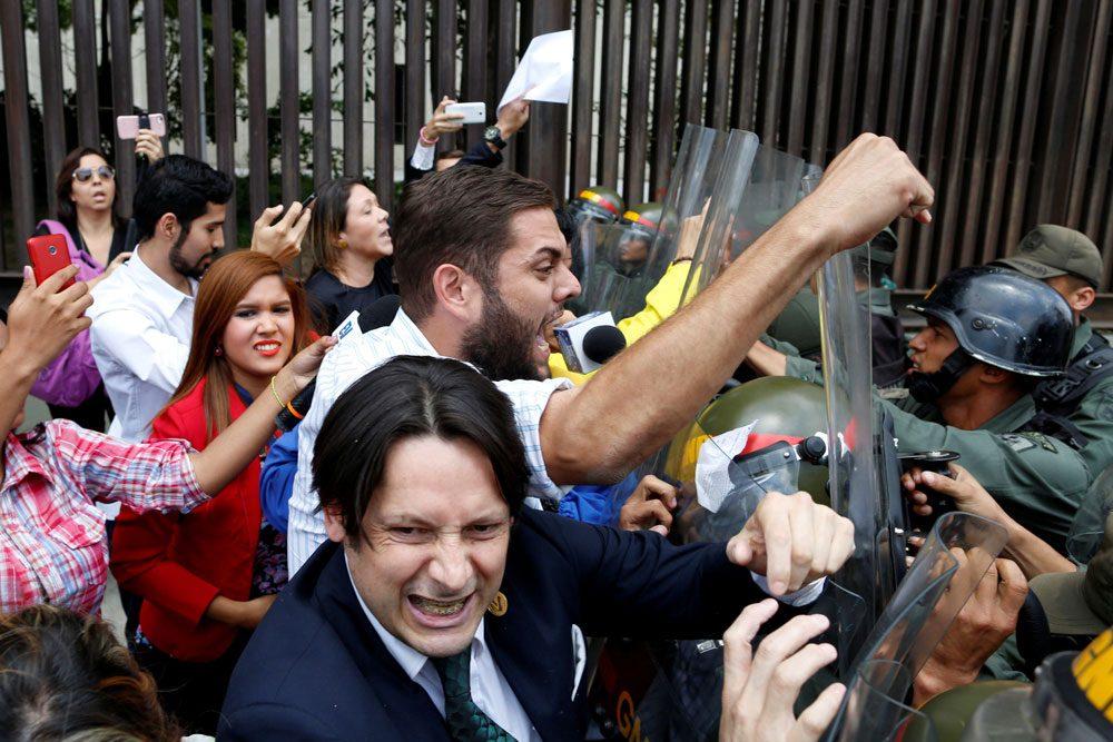 2017-03-31t011418z_1374192641_rc142ccce630_rtrmadp_3_venezuela-politics