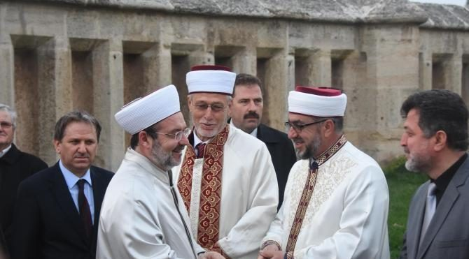 Görmez: Kandiller, İslam'ı kuşatan karanlık bulutları kaldırır inşallah