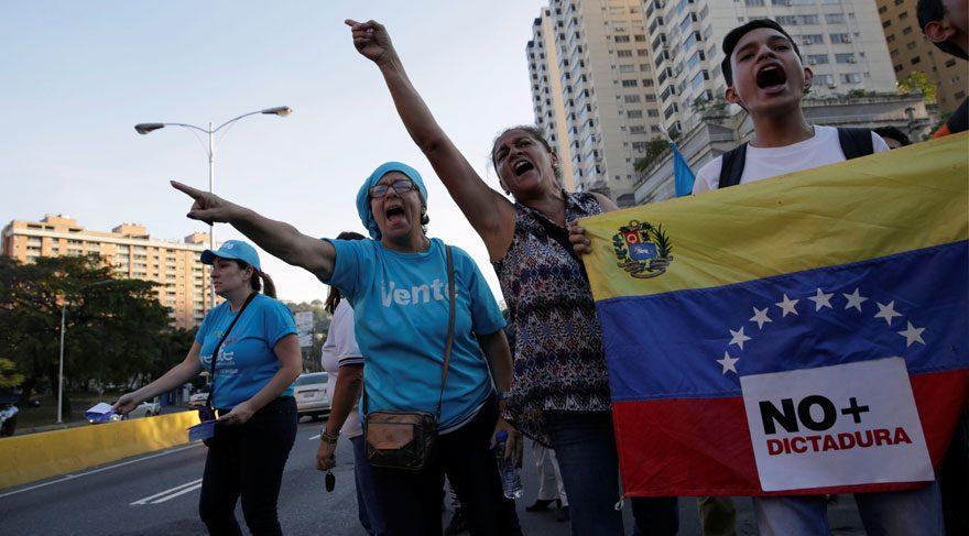 Venezuela Yüksek Mahkemesi darbe yaptı